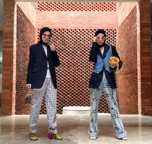 5 Inspirasi Membuat Style Blazer Hitam Jadi Tak Monoton ala Tantri Namirah