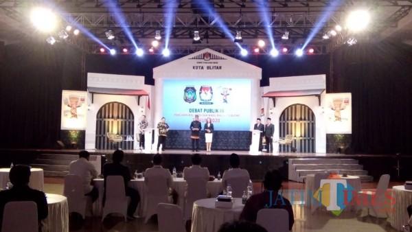 Debat pamungkas Pilkada Kota Blitar digelar KPU di Gedung Kesenian Aryo Blitar.