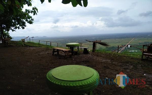 Wisata di Puncak Luk Songo yang mulai bangkit dan hits saat ini / Foto : Anang Basso / Tulungagung TIMES