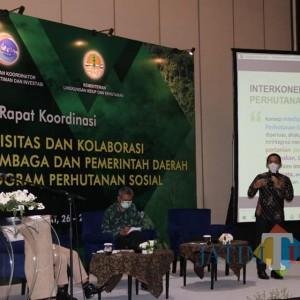 Cak Thoriq Paparkan Rencana Tata Kelola Perhutan Sosial Senduro di Bandung