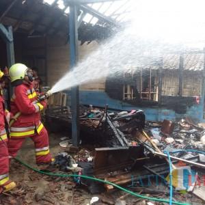 Ditinggal Hajatan, Rumah Warga Bojonegoro Terbakar