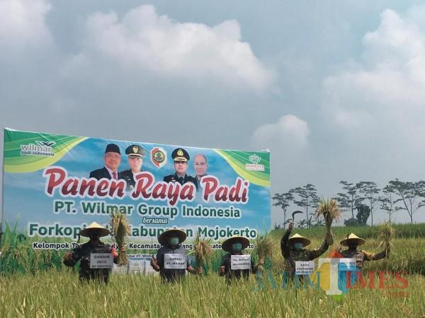Jalin Kerjasama Tingkatkan Hasil Panen, PJS Bupati Mojokerto Ingatkan Jaga Lingkungan