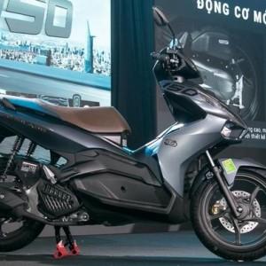 "Honda Rilis Skutik ""Air Blade"" dengan Fitur Menarik, Diklaim Jadi Penantang Yamaha Aerox"