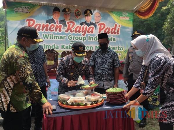 Gandeng PT. Wilmar Group Indonesia, Pemkab Mojokerto Panen Raya Padi Sistem Demplot