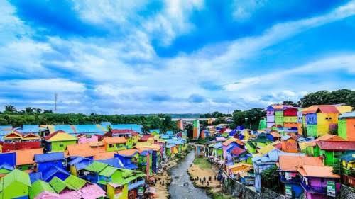 Kampung Warna -warni, salah satu destinasi wisata di Kota Malang yang sudah terapkan protokol kesehatan. (Istimewa).