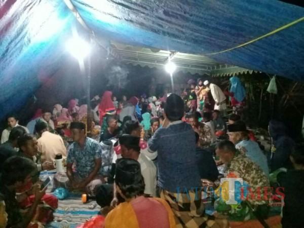 Pengungsi dari Kamar A Desa Supit Urang Pronojiwo Lumajang (Foto : TRC BPBD Lumajang / Jatim TIMES)