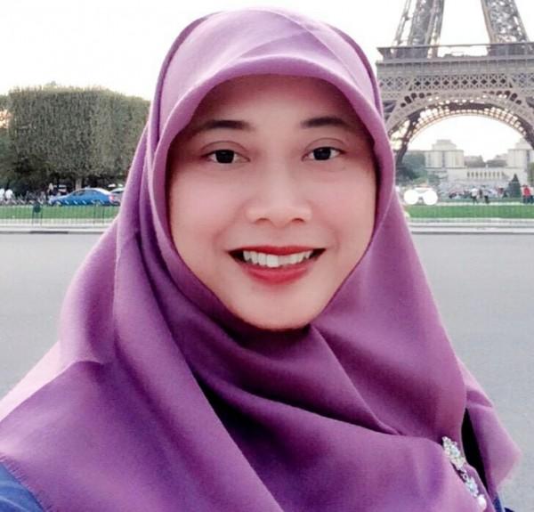 Dewi Ayu Larasati, SS, M. Hum