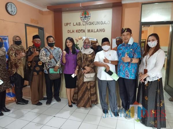 Aktivitas-hearing-Komisi-B-DPRD-Kota-Malang-dengan-mitra-kerjanya-5679f14d1fdfbfab7.jpg