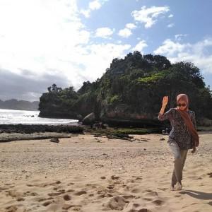 Keindahan Pantai Batu Bengkung Kabupaten Malang Ramaikan Tsunami Give Away 2020