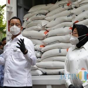 Mensos yang Ditangkap KPK Pernah Diprotes Saat Bagi Bansos Bareng Risma di Surabaya