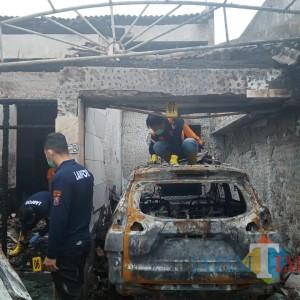 Labfor Polda Jatim Bawa 3 Sampel dari Kebakaran Rumah Pejabat Dinkes Tulungagung