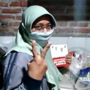 Viral Video Emak-Emak Terima Sembako Tapi Tak Mau Coblos Calonnya di Surabaya