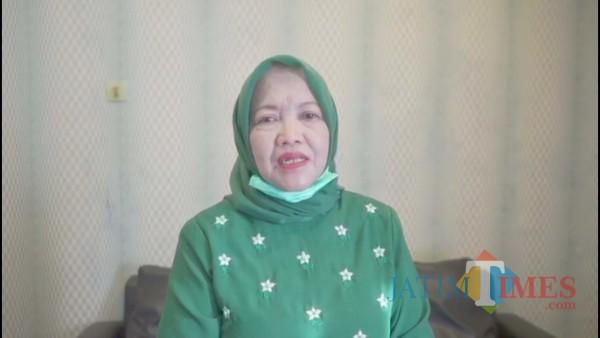 Calon Bupati Malang, Lathifah Shohib saat memberikan keterangan pers di Kantor DPC PKB Kabupaten Malang, Rabu (9/12/2020). (Foto: screenshot video Latihan/ JatimTimes)