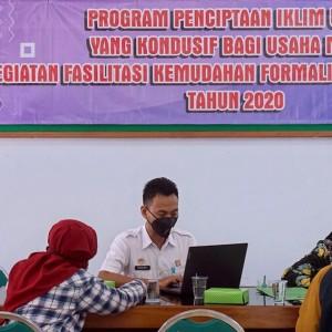 Dinkop UMTK Kota Kediri Fasilitasi 20 IKM Dapatkan Sertifikat HaKI