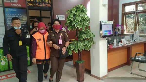 Tersangka kasus Korupsi penggemukan sapi di RPH Kota Malang ditahan Kejari Malang