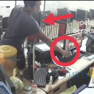 Operator Warnet Tertidur, Customer Terciduk CCTV Gasak Hp Operator