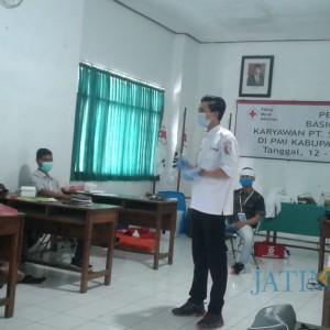 PMI Bojonegoro Latih Karyawan Spektra Solusindo Tangani Pertolongan Pertama Kecelakaan
