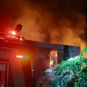 Gudang Kapas di Singosari Terbakar, Butuh 7 Jam untuk Padamkan Kobaran Api