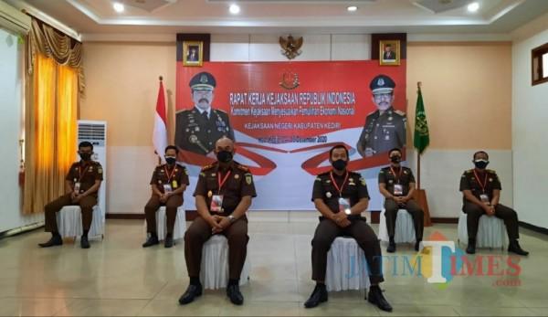 Kejaksaan Kabupaten Kediri ikuti rakor nasional secara virtual.(eko arif s/Jatimtimes)