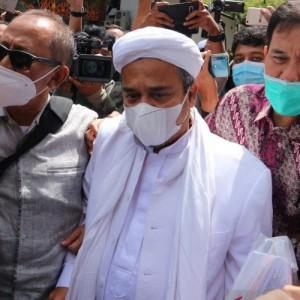 Belum Diperiksa Lebih Lanjut oleh Penyidik, Rizieq Shihab Pilih Buka-bukaan di Sidang