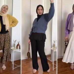Styling Session With Knit Cardigan ala Hijabers Dwi Handayani, Modis Abis!