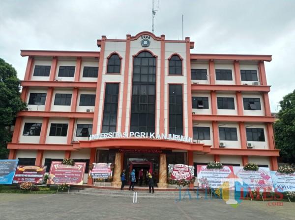 Tampilan baru nama Universitas PGRI Kanjuruhan Malang. (Hendra Saputra)