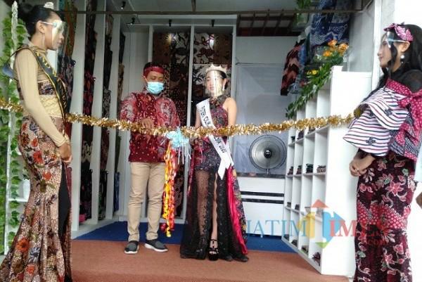 Temukan Istana Batik KaDe saat Tiba di Terminal Ronggosukowati Pamekasan