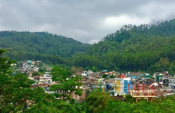 Pemandangan vila di kawasan Kelurahan Songgokerto, Kecamatan Batu. (Foto: Irsya Richa/MalangTIMES)