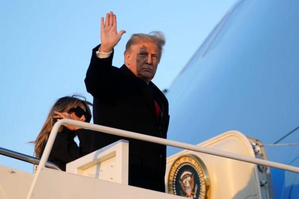 Segera Lengser, Donald Trump Ingin Namanya Dijadikan Nama Bandara