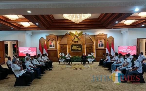 Menghadap Gubernur Jatim, Bara JP Tulungagung Minta Guru Honorer Diangkat P3K