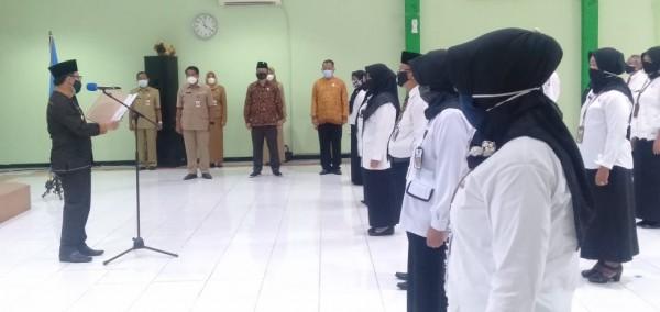 Wali Kota Malang Sutiaji kukuhkan 35 Kepala SD dan SMP. (Foto: istimewa)