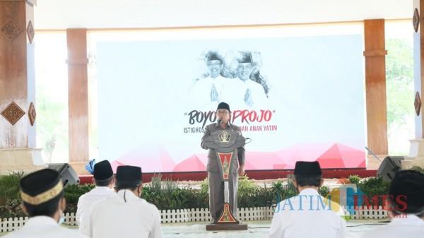 Bupati Blitar Rijanto saat menyampaikan sambutan refleksi memimpin Kab Blitar selama 5 tahun.(Foto : Aunur Rofiq/BlitarTIMES)