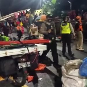 Picu Kerumunan, Pasar Malam Dadakan di Jembatan Kedungkandang Dibubarkan Polisi