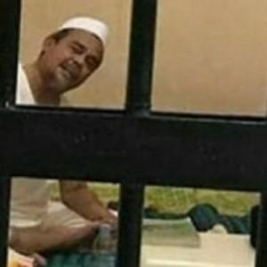 Kasus Lawas Chat Mesum Rizieq Dibuka Lagi, Pengacara Lakukan Upaya Ini