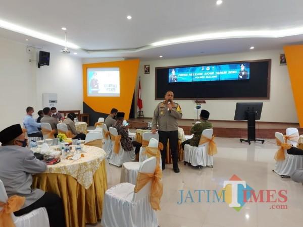 Kapolres Malang AKBP Hendri Umar saat memaparkan hasil ungkap kasus narkoba selama tahun 2020, Rabu (30/12/2020). (Foto: Tubagus Achmad/ MalangTIMES)