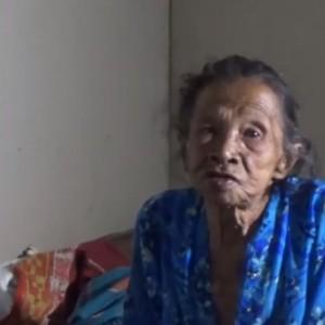 Kisah Haru Mbah Ponijah,  Hidup Sebatang Kara saat Usia Tua  di Desa Terpencil
