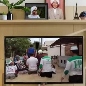 Organisasinya Dibubarkan Negara, Video FPI Perlakuan Warga Tionghoa ini Viral