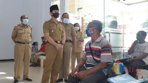 Bupati Arifin sidak kehadiran ASN di Dinas Sosial Kabupaten Trenggalek