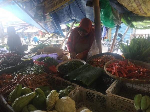 Harga cabai naik 60 persen di Pasar Besar, Kota Batu, Senin (4/1/2021).