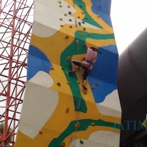 Koni Kota Batu Hadiahkan Wall Climbing Untuk Atlet, Miliki Model Terbaru