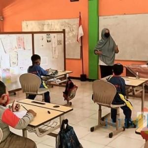 Sekolah Tatap Muka di Batu Batal, Dewanti Rumpoko Minta Tak Dibandingkan Dengan Pembukaan Wisata