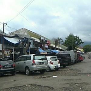 Jalan Berlubang di Pasar Besar Kota Batu, Kepala UPT: 2021 Tidak Ada Pemeliharaan Fasilitas
