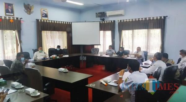 Rapat kerja antara Komisi IV DPRD Trenggalek bersama Ketua Dinas kesehatan dan Direktur RSUD Dr. Soedomo