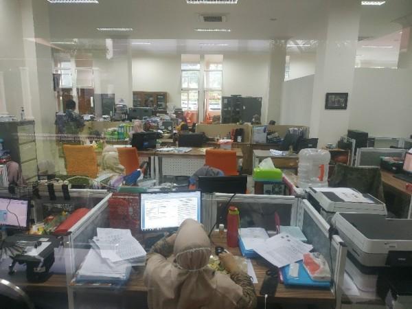 Suasana kantor di DPMPTSPTK di Balai Kota Batu.