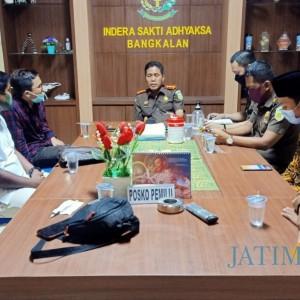 Datangi Kejari Bangkalan, HMPB Tanyakan Kelanjutan Kasus Cabul Oknum Kepsek