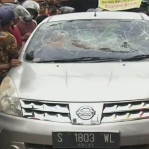Diduga Mabuk, Pengendara Livina Tabrak Tiga Motor dan Satu Pejalan Kaki