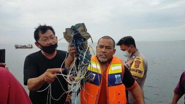 Temuan benda diduga puing Sriwijaya Air (Foto: Tribunnews)