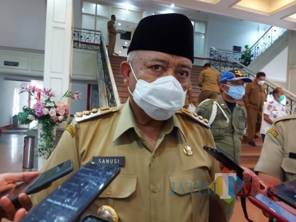 Bupati Malang Sanusi saat menjabarkan kebijakan WFH selama PPKM berlangsung (Foto : Dokumen MalangTIMES)