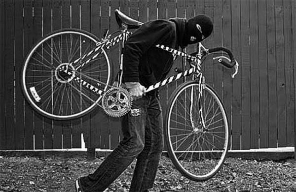 Ilustrasi sepeda pancal dicuri maling. (Foto: Istimewa)
