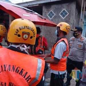 Mayat tanpa Identitas Ditemukan Terhanyut di Sungai Kecamatan Bululawang